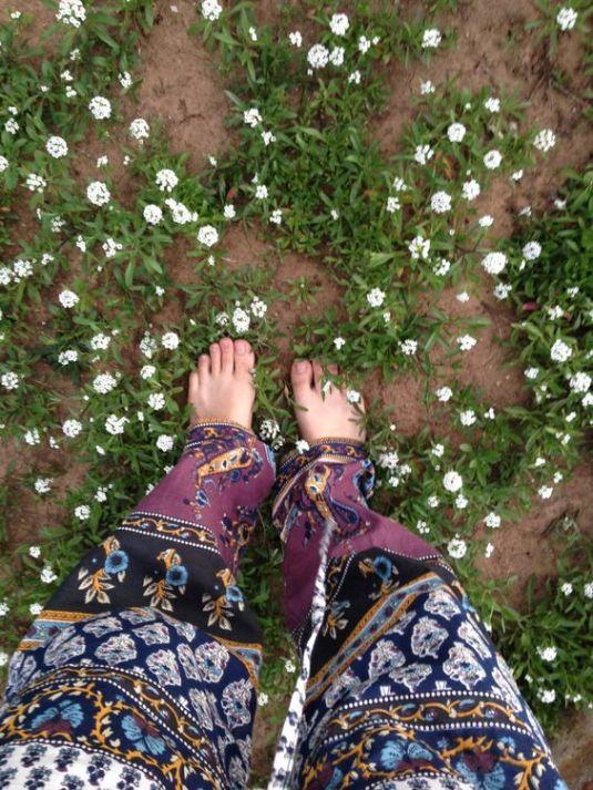 feet grass